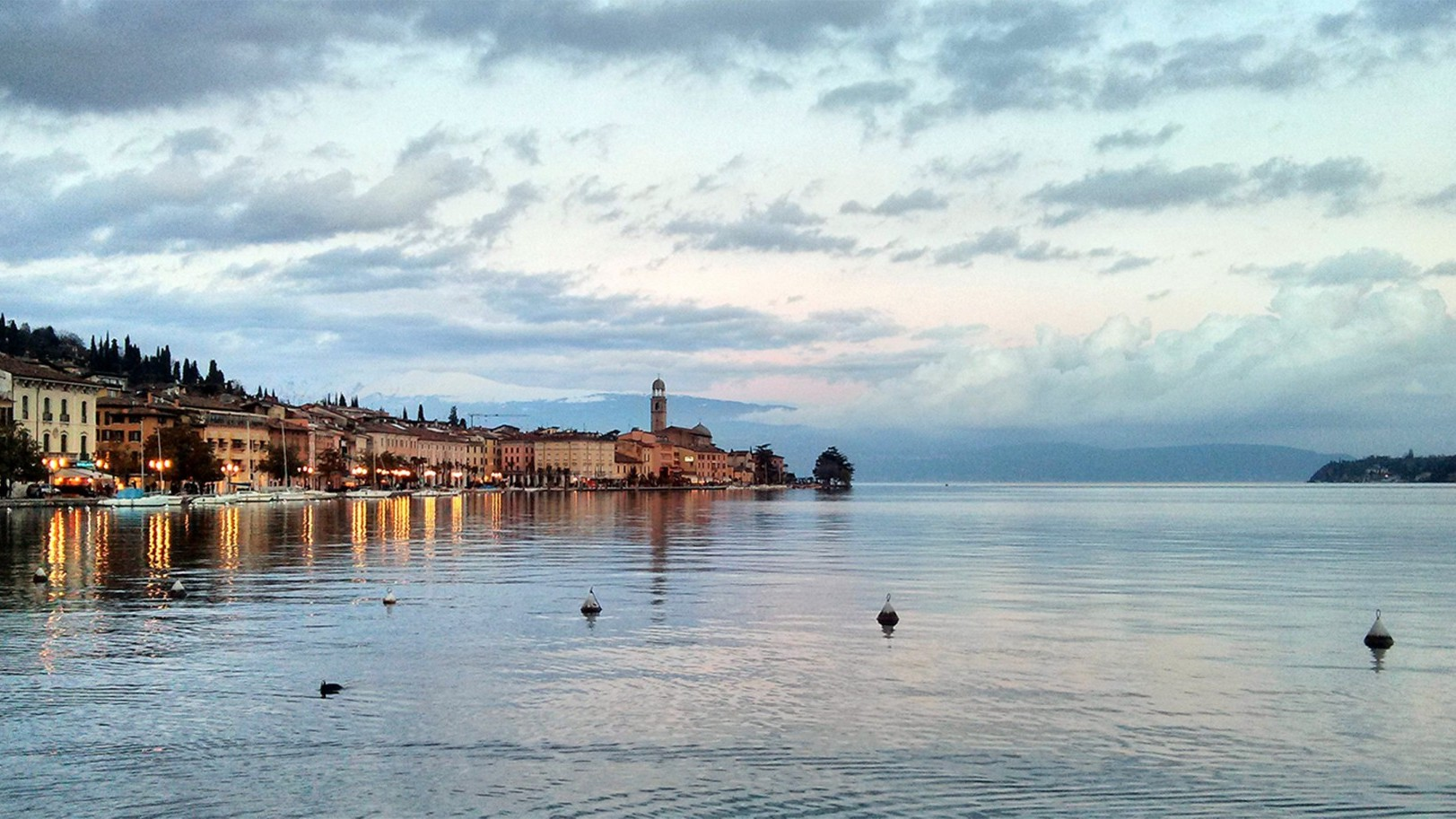Wedding planning in Garda lake